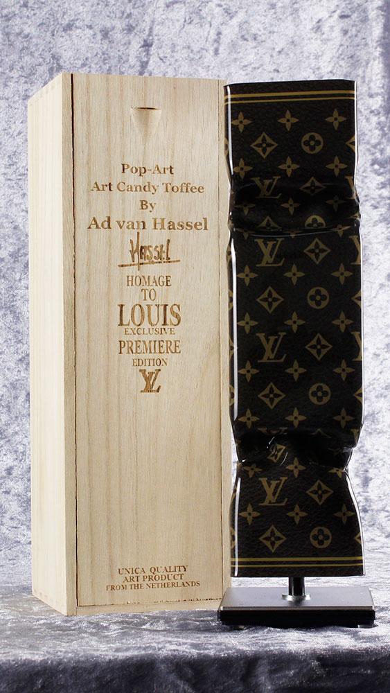 Ad van Hassel - ART CANDY TOFFEE - POP ART HOMAGE TO LOUIS VUITTON - original handgemachte ART CANDY SKULPTUR